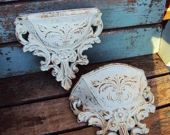 Vintage Shabby chic Wall Pocket Display Distressed Chippy Antique off White Baroque Hollywood Regency