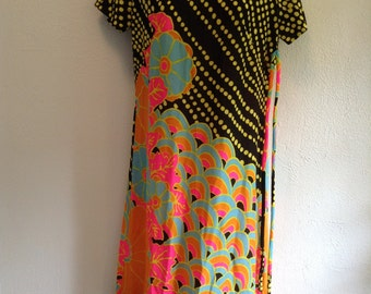 Vintage Hippie, Love Child,POP art dress from 1960.  Wilroy Traveller.  Ban Lon.  New old stock.