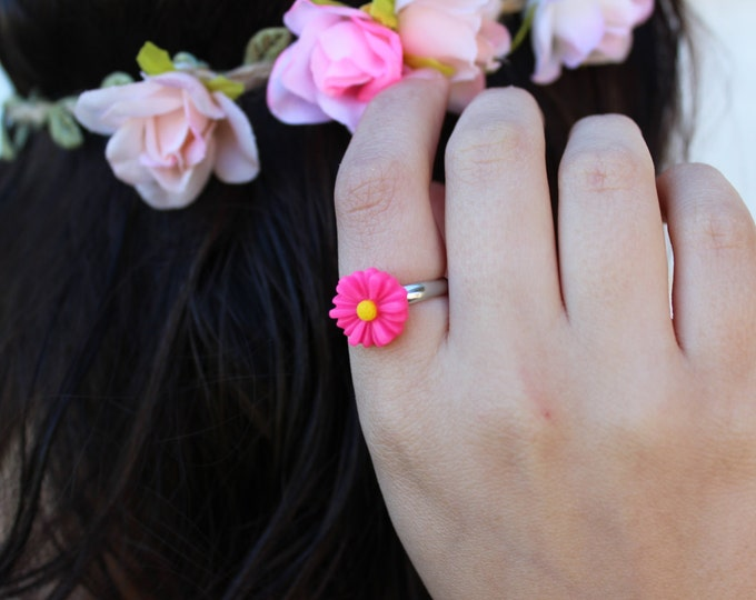 Hot Pink Adjustable Daisy Ring