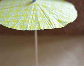 Wedding decoration, summer party drink umbrella, cocktail umbrella, summer outdoors, Cake Toppers, yellow flower big size 5pcs