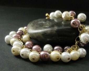 Mauve Pearl Bracelet in Gold. Pearl Charm Bracelet with Mauve Pink, Ivory, and White Pearls. Handmade Bracelet.