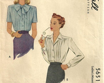 Vintage 40s / Sewing Pattern / McCall 5651 / Blouse / Size 16 Bust 34