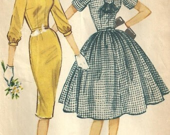 McCalls 5040 / Vintage 50s Sewing Pattern / Dress / Size 12 Bust 32
