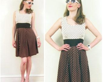 Vintage 1960s Graphic Print Summer Dress / 60s Sleevless Brown and White Polkadot Dress / Medium