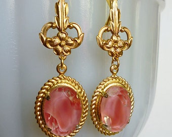 SALE // Gorgeous Vintage Pink Givre Glass Drop Earrings, 1940s German Glass Gems, Brass Floral Stampings, Fleur De Lys Leverbacks in Gold