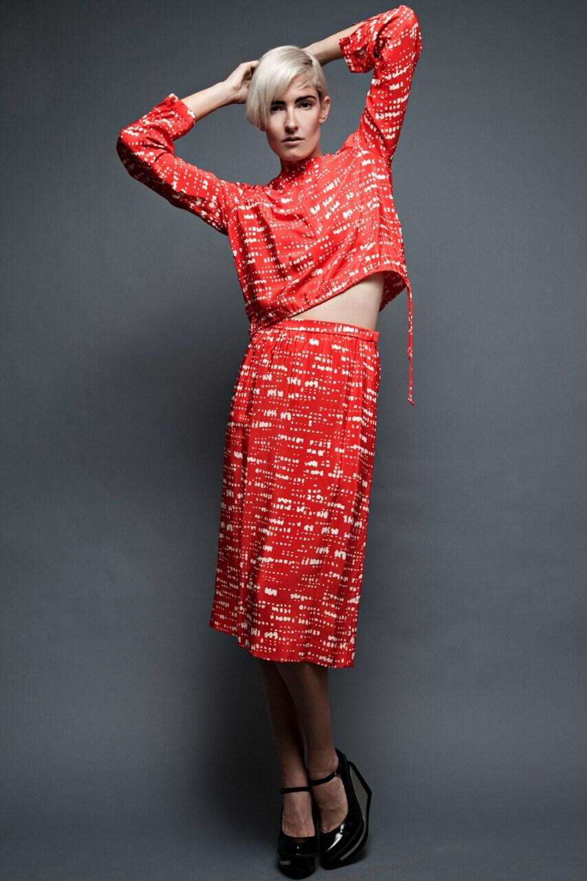 vintage 70er jahre halston outfit 2 tlg set rot seidenrock. Black Bedroom Furniture Sets. Home Design Ideas