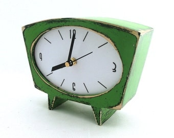 FREE SHIPPING - Table clock, Desk Clock Green, Wood Clock, Wooden Clock, Vintage style, Wedding - Xmas gift, Unique Clock, Handmade gift