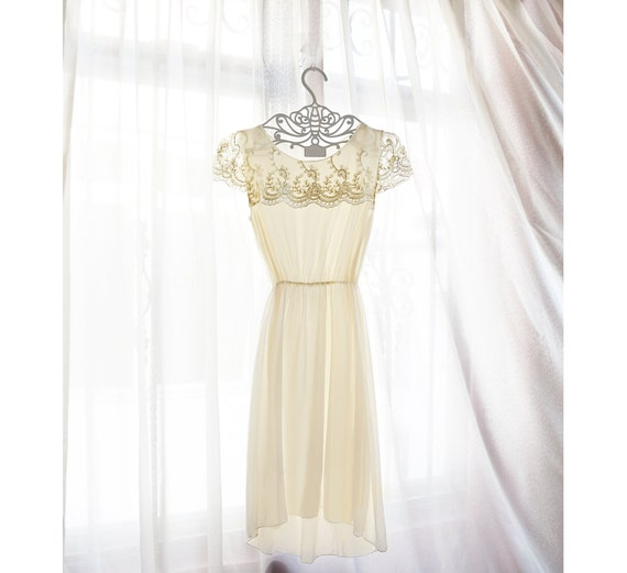 Great Gatsby 1920s Victorian Whimsical Elven Lord of the Rings Cream Ethereal Mori Girl Jazz Age Gold White Lace Art Deco Flowy Angel Dress