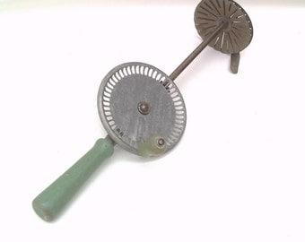 Antique  Hand Crank Mixer | Egg Beater | Manual Hand Mixer | Whippit | Jadite Green Modern Farmhouse | Cream Egg Whip
