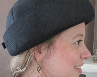 Vintage Woman Hat / Cloche Black Helmet Hat / Betmar Art Deco Hat