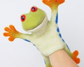 the speaking tree frog hand puppet, wet felted, animal hand puppet, MADE TO ORDER