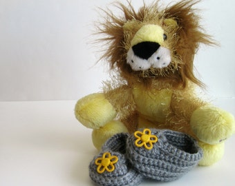 Crochet Baby Booties - Gray with Yellow Flower Buttons - 3 Months