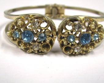 Vintage Aqua Rhinestone Art Deco Style Clamper Bangle Bracelet in gold tone metal