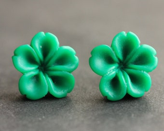 Green Flower Earrings. Green Earrings. Bronze Post Earrings. Innie Flower Button Jewelry. Stud Earrings. Handmade Jewelry.