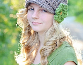 Women's Hat / Crochet Newsboy Hat for Women / Brimmed Beanie Hat with Flowers / Fall Fashion / Winter Fashion / Back to School
