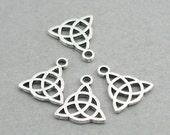8 Celtic Charms Antique silver 8pcs zinc alloy pendant beads 14X16mm CM0742S