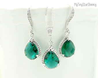 Green Earrings and Necklace set  Wedding Jewelry Bridal Earrings Necklace Wedding Jewelry Emerald Jewelry Bridesmaids Gift