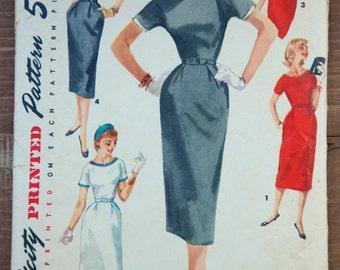 "1950's Simplicity Wiggle Dress - Bust 30"" - No. 1410"