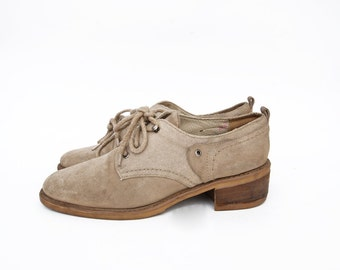 Vintage suede and canvas neutral sand safari lace up women 90s shoes