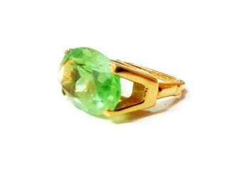 Vintage Vendome Bright Pistachio Green Oval Rhinestone Adjustable Ring
