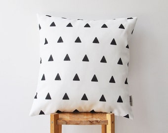 ModernThrow Pillow, Black White Decorative Pillow, Geometric Pillow, Black and White Throw Pillow, Cushion Cover, Kids Pillow 16""