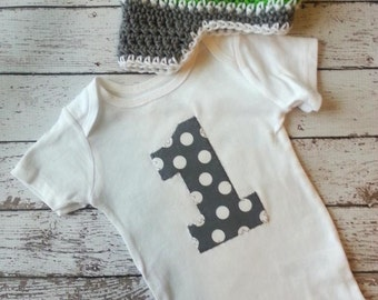 Baby boy first birthday one piece bodysuit and crochet hat set, gray and white with lime green, number 1, photo prop, birthday outfit