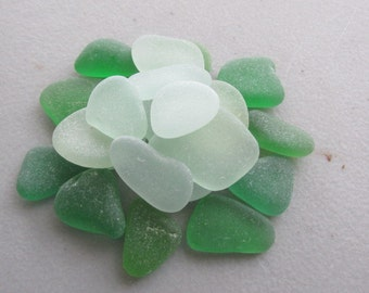 Vintage Glass - Beach Glass Jewelry Supply Lot - Genuine Sea Glass Surf Tumbled -  for Jewelry Art Mosaic