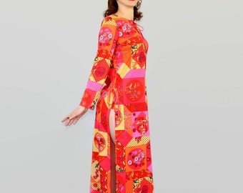 Hippie dress by Le Voy's. 1970s maxi dress. Floral print. Red orange pink yellow. Mad Men fashion. Psychedelic print.
