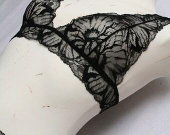 Lingerie Set  // Undies Soft Bra und Slip in Sheer French Lace black red grey ...  handmade of Fransik