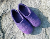 Felted violet slippers. Purple slippers for women. Woolen clogs. Wool slippers. Eco friendly shoes. Wool felted slippers. Felted slippers