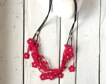 Fuchsia Statement Necklace, Crochet Bib Necklace, Oya Beaded Collar, Boho Dark Pink Necklace, Women's Gift, Crochet Jewelry, ReddApple
