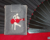 Felt gadget case, smart phone sleeve, phone pouch with a guitar player, needle felted, grey