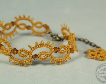 Artemida - Lace tatted bracelet with crystal beads - Your color choice
