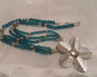 large vintage style glass beaded silver flower statement  pendant necklace