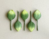 50 Green Paper Leaves with light green tips - Life-size rose leaves with wire stems [L] - Great for wedding decorations