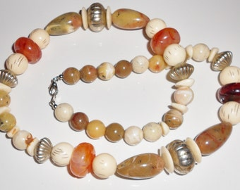 Vintage necklace Desert colors beaded in acrylics  Free USA Shipping