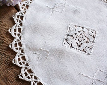 French Vintage Lace Edged Table Mat With Pretty Lace Inset