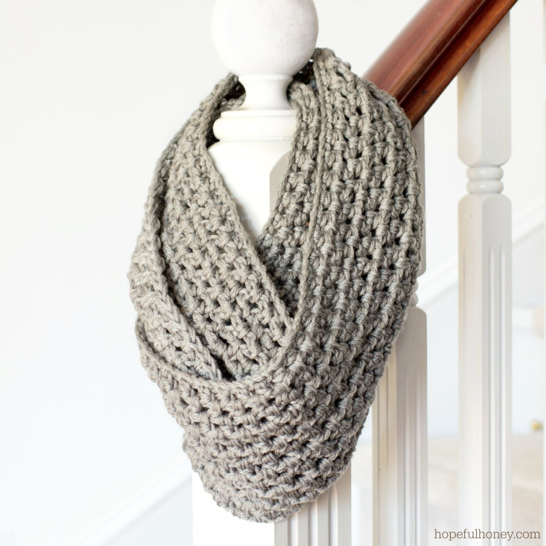 Crochet Infinity Scarf Tutorial For Beginners : CROCHET PATTERN Basic Chunky Infinity Scarf