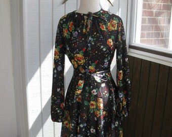 60s / 70s Black Floral Poly Maxi Dress with Tie Belt / S / M