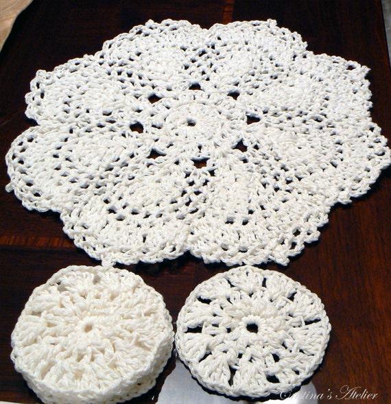 Bloom white crochet doily. Handmade crochet doily 15'. Flower crochet doily. Housewarming gift. Boho home decor. Chic decor, placemat