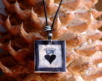 PENDANT - NECKLACE Queen of Hearts. VC014
