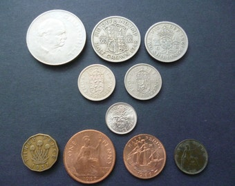 Mixed set of 10 English coins Crown down to Farthing inc shillings, sixpence, halfcrown, threepence and more.