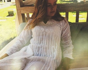 White Ibiza tunic dress in muslin cotton with hand embroidery