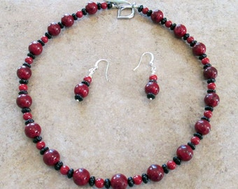 Red Ceramic and Black Onyx Gemstone  Necklace Set