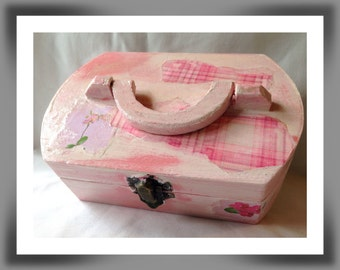 Shabby chic wooden box, Decorated Jewellery box, Decoupaged mini chest, Trinket box, Home decor, Floral design