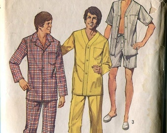 1970s Mens Pajamas Pattern Simplicity 5946 Sz SM or  MD Mad Men Style