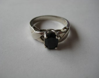 Vintage Onyx sterling silver 925 ring, size 5