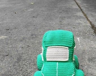 Beetle car amigurumi crochet pattern. By Caloca Crochet