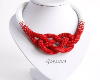 Bead crochet necklace with Josephine knot