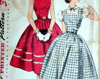 Vintage 50's Simplicity 1058 Sewing Pattern Teen Age Dress, Jumper Or Blouse, Simple To Make, Size 14, 32 Bust, Factory Folded